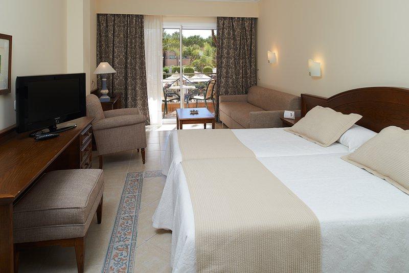 Hotel Barrosa Garden