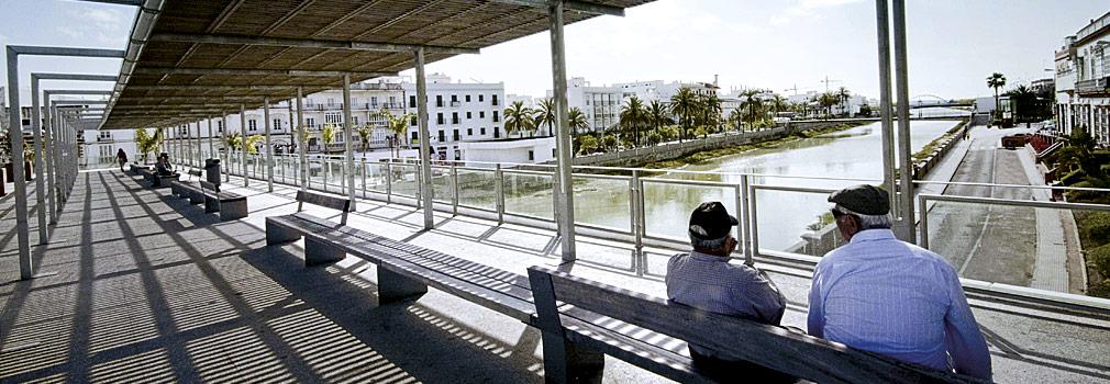 Gran Plaza sobre el Río Iro